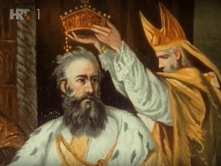 [8.10.] U Solinu okrunjen kralj Dalmacije i Hrvatske – Dmitar Zvonimir
