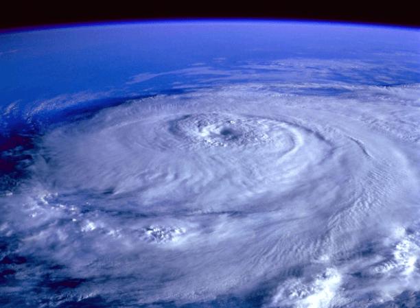 [13.11.] Najgora prirodna katastrofa 20. stoljeća, jedna se država raspala na dvije nakon uragana