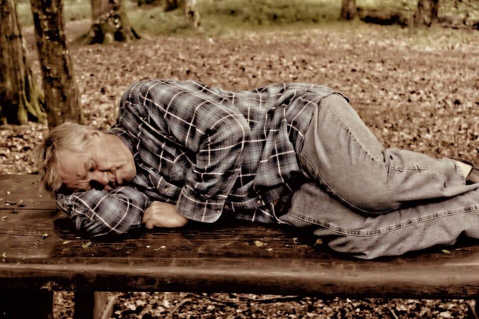 Stariji od 65 moraju obratiti pažnju i na manje očite simptome korone