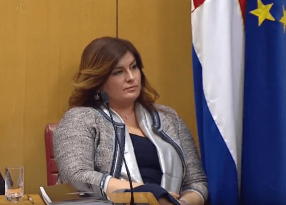Ministrica Žalac automobilom u Vinkovcima naletjela na 10-godišnju djevojčicu