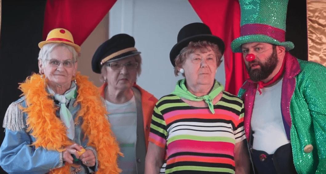 [VIDEO] Pogledajte kako klaunovi unose veselje u živote umirovljenika
