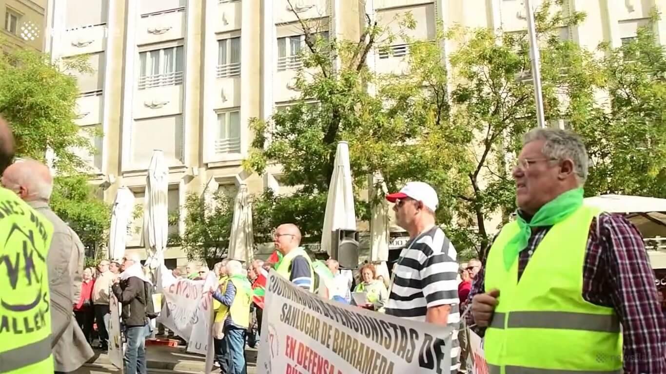 Tisuće španjolskih umirovljenika izašlo na ulice, traže veće mirovine!