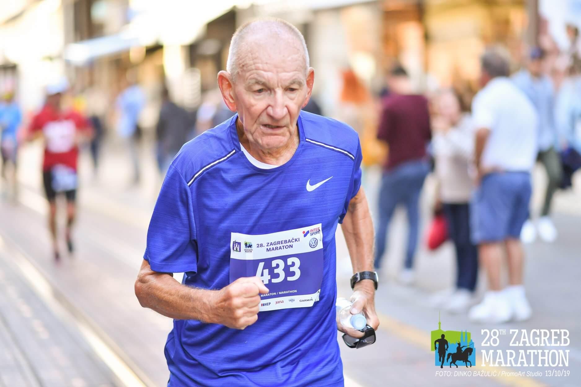 Ovaj gospodin ima 83 godine. Istrčao je Zagrebački maraton za pet sati!