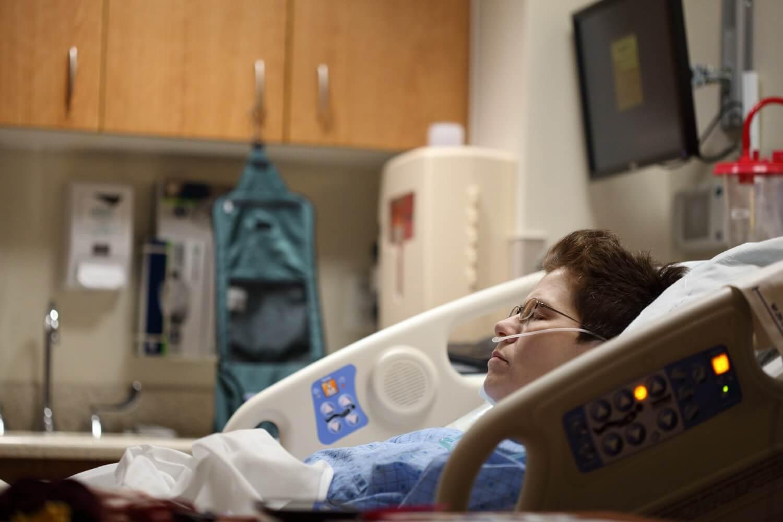 Je li cjepivo zaštitilo starije građane? U bolnicama sve mlađi pacijenti!