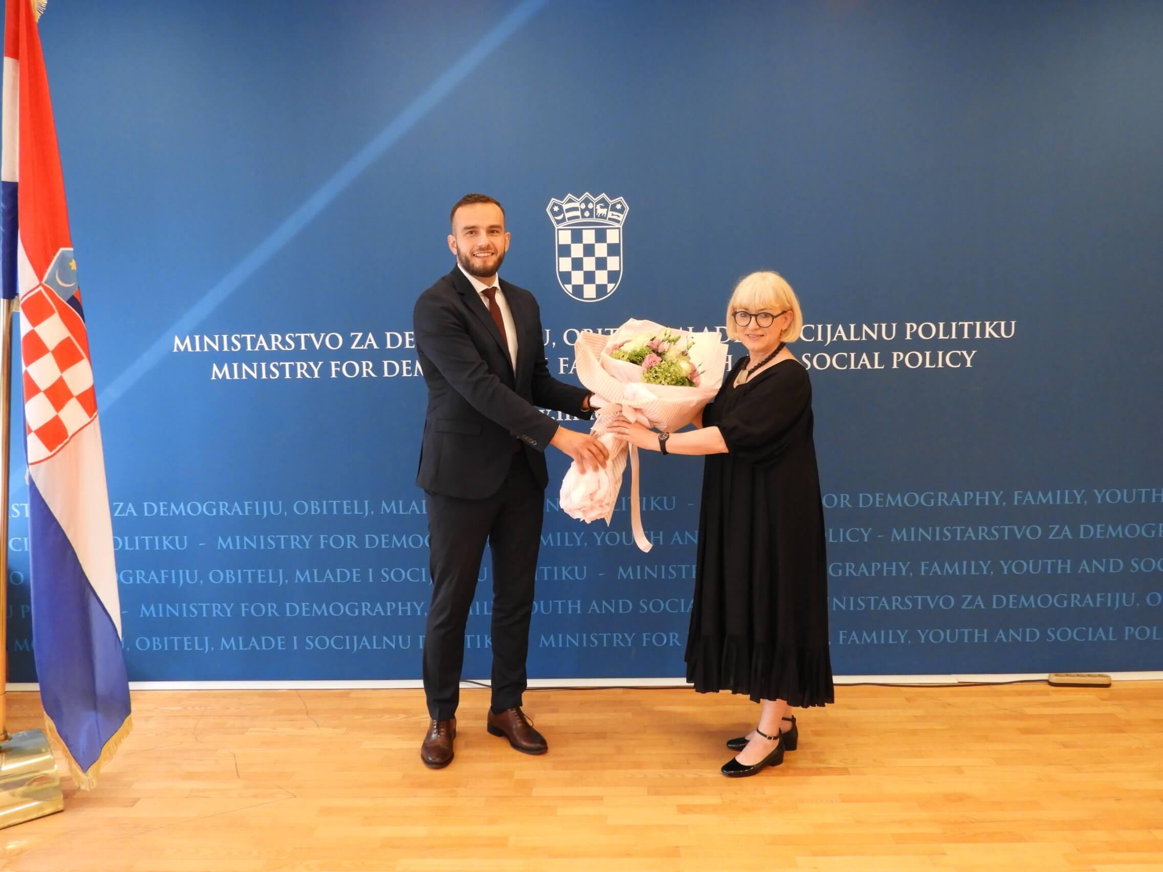 Ministari Aladrović i Bedeković odradili primopredaju, a Ministarstvo rada dobilo novo ime