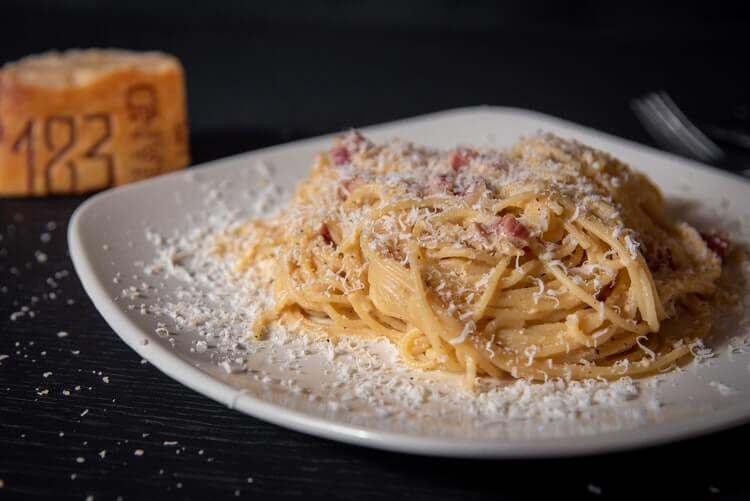 [BAKINA KUHINJA] Carbonara – izvorni recept talijanskih djedova i baka!