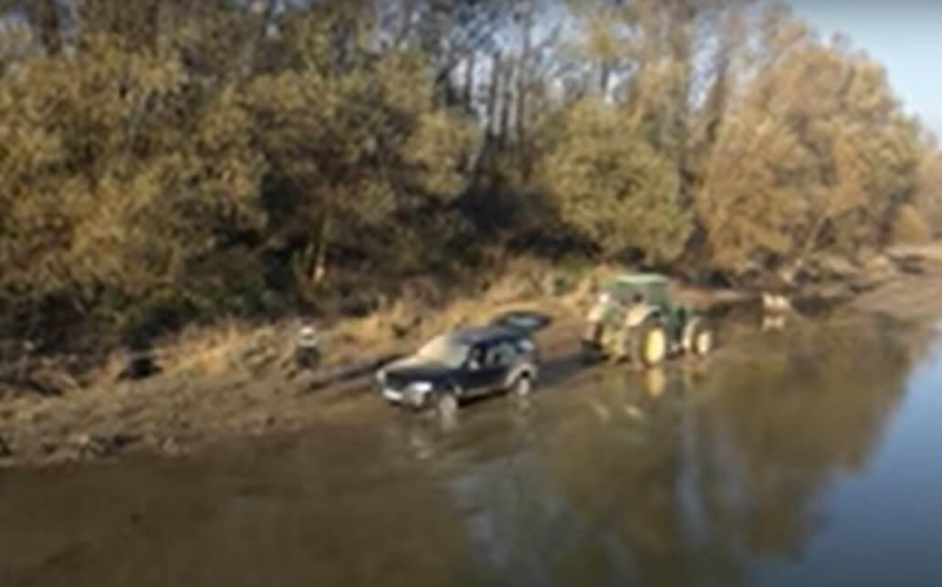 Jedan od bizarnijih policijskih slučajeva: Vozačica (77) parkirala u korito Drave!