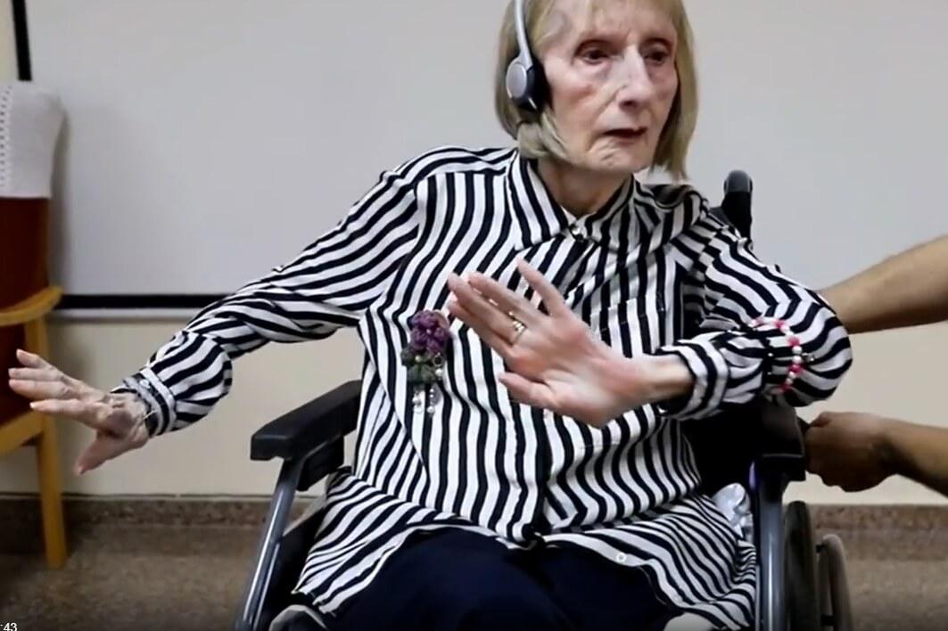 [VIDEO] Pogledajte moćnu reakciju bivše primabalerine s Alzheimerom kada čuje glazbu iz Labuđeg jezera