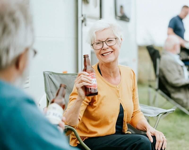 Stariji u pandemiji zbog viška vremena, dosade i utjehe posežu za vrlo opasnom aktivnošću!