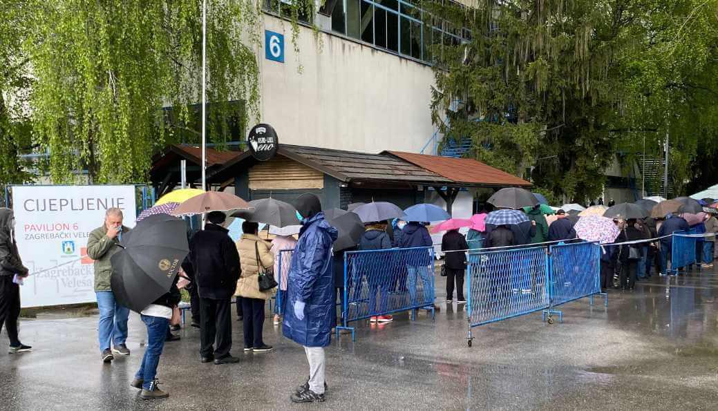 Građani kažu da je na Velesajmu kaos oko cijepljenja: Šostar uputio molbu
