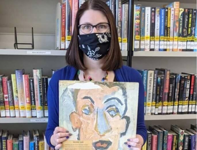 Umirovljenik knjižnici vratio posuđenu ploču sa zakašnjenjem od 48 godina