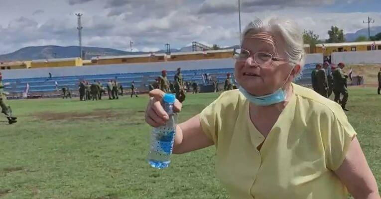 """Baka skupila boce koje su ministri ostavili u Kninu: """"Lani sam od toga platila HRT"""""""