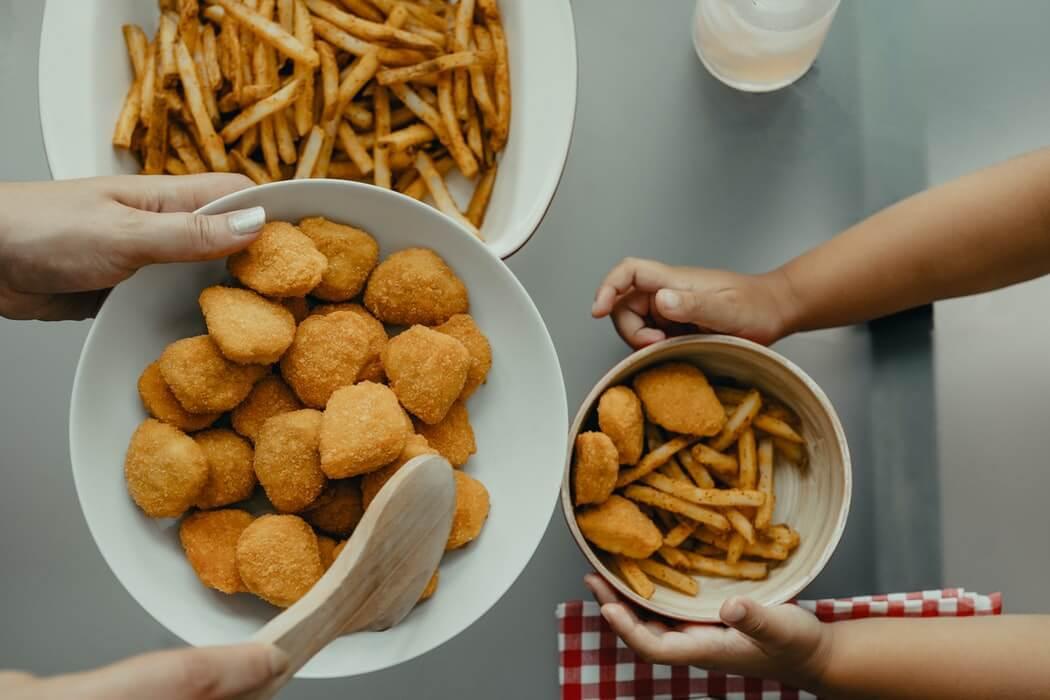 Izbacite ih iz prehrane: Ove popularne namirnice nisu za starije od 60