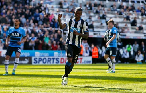 Georginio Wijnaldum celebrates scoring the third goal for Newcastle from the penalty spot