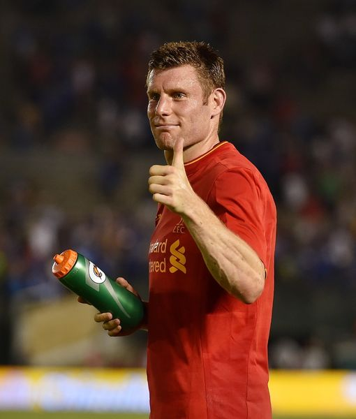PASADENA, CA - JULY 27: (THE SUN OUT, THE SUN ON SUNDAY OUT) James Milner of Liverpool shows his appreciation to the fans at the end of the International Champions Cup match between Chelsea and Liverpool at Rose Bowl on July 27, 2016 in Pasadena, California. (Photo by Andrew Powell/Liverpool FC via Getty Images)