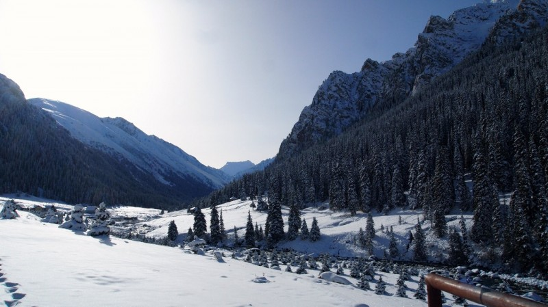 PA244338 Kyrgyzstan, Kirguistán, Central Asia, ruta seda, silk road, Issyk-Köl, Tamchy, Altyn Arashan