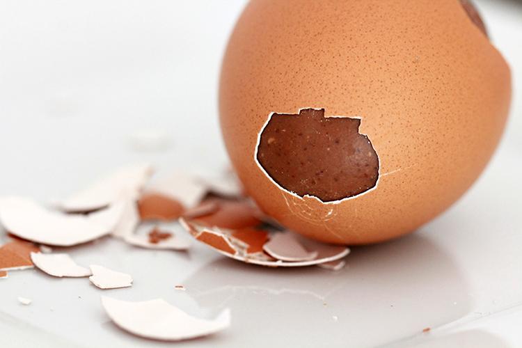 Réalisez vos propres œufs de Pâques en chocolat!