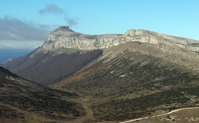 Sierra de Satrustegi y Beriain desde el Treku