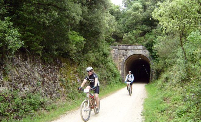 Vía Verde del Ferrocarril Vasco Navarro en Acedo-Navarra