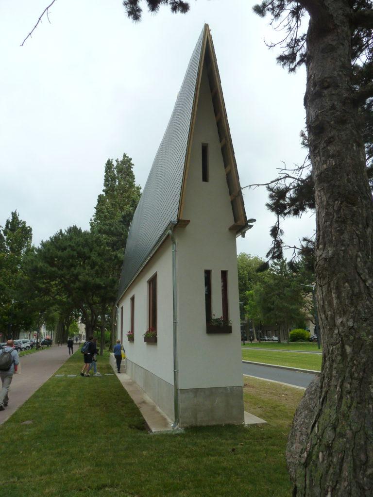Narrow House Erwin Wurm