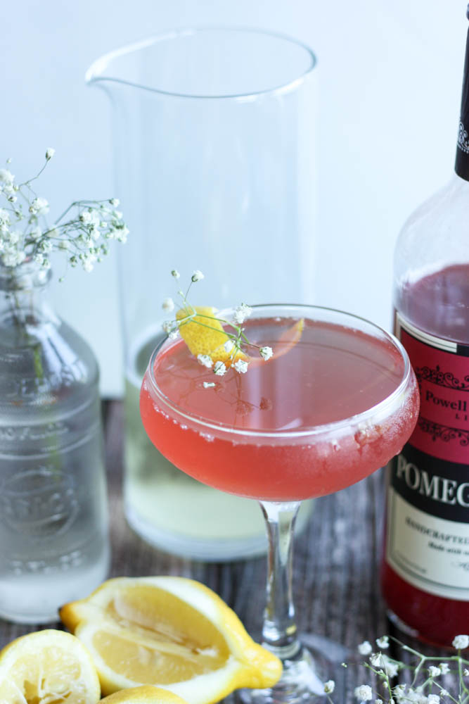 Pomegranate & Elderflower Fizz Champagne Cocktail