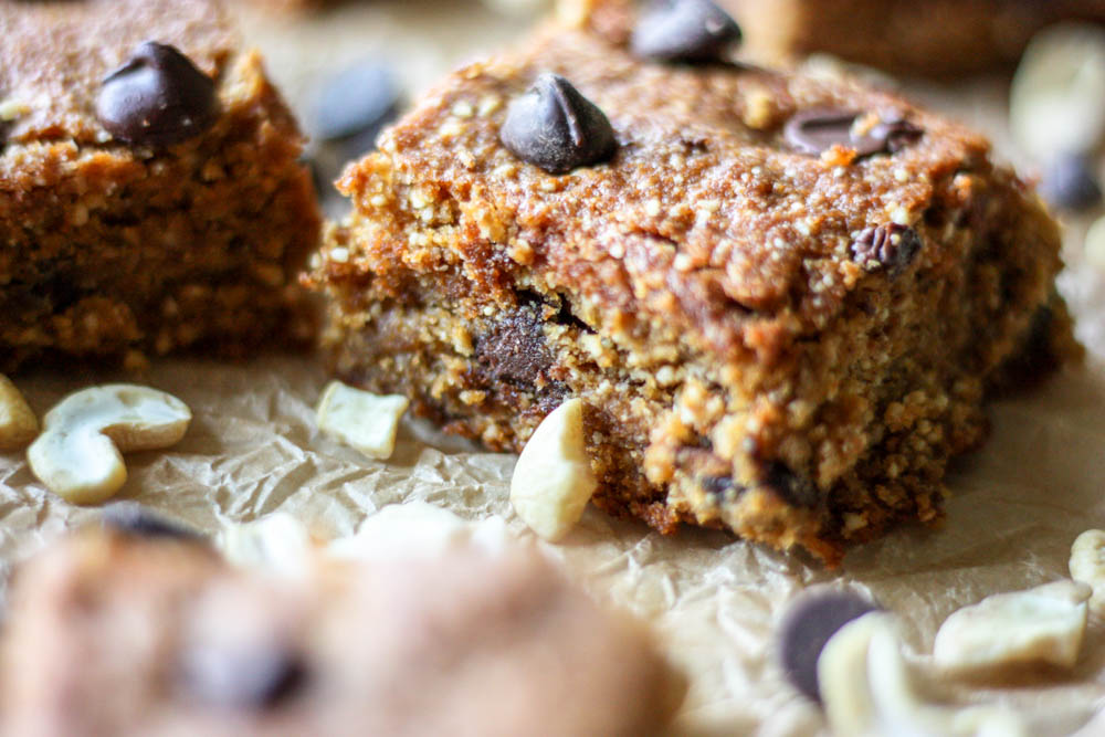 Healthy Chocolate Chip Cashew Cookie Bars
