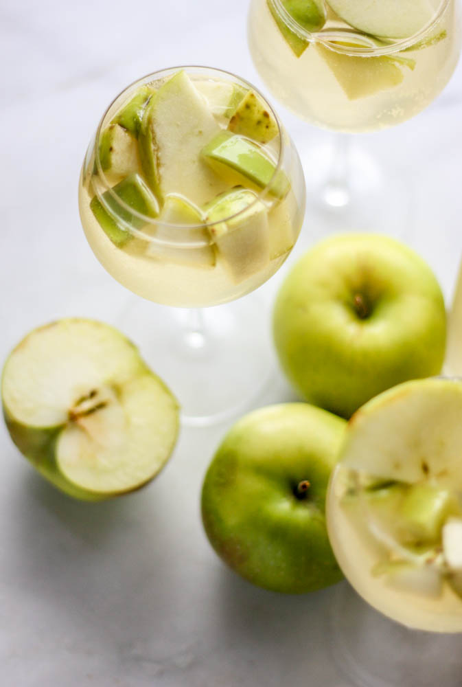 Sparkling White Apple & Ginger Sangria