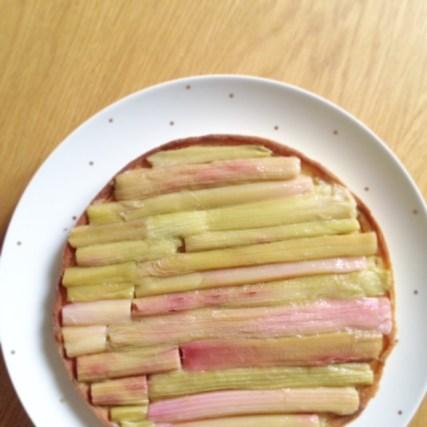 tarte à la rhubarbe fondante