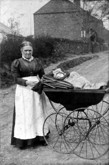 maternità infanzia epoca vittoriana
