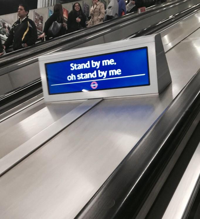 london-underground-etiquette-standing