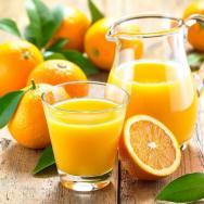 Das Orangen viel Vitamin C enthalten und somit gut für unser Immunsystem sind, ist glaub ich bekannt. Sie liefert aber auch Folsäure und Kalium. (c) Fotolia