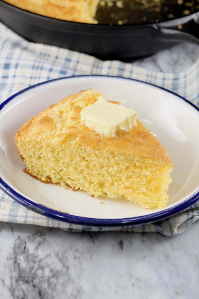 Delicious Skillet Cornbread made from scratch