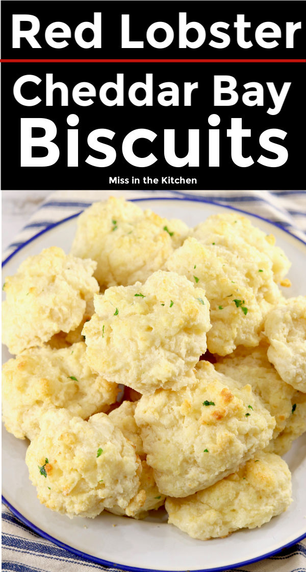 Text overlay of Red Lobster Cheddar Bay Biscuits