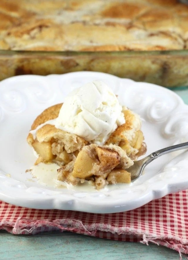 Apple Cobbler with vanilla ice cream