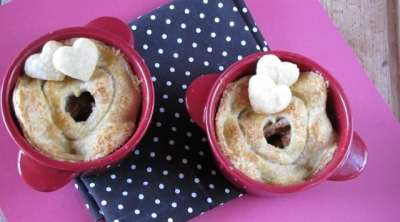 Wisconsin White Cheddar Apple Pot Pies