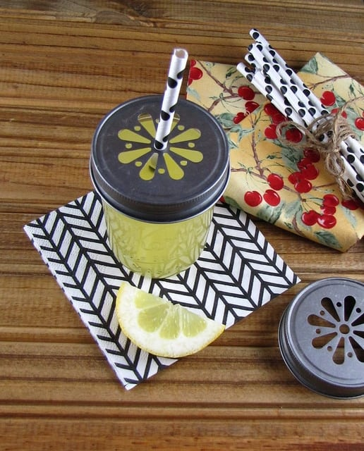 Pineapple Lemonade | Miss in the Kitchen