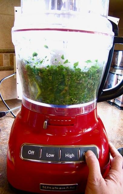 Spinach Pesto | Miss in the Kitchen