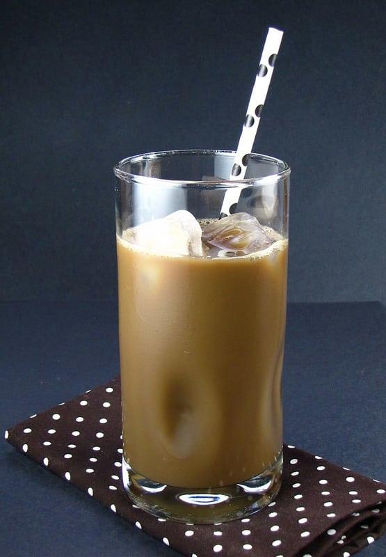 Silk Iced Latte - Miss in the Kitchen #TasteSilk