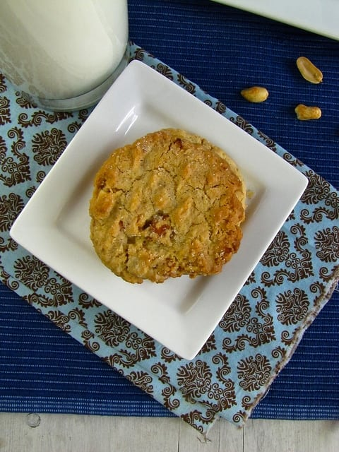 Crunchy Peanut Butter Cookies - Miss in the Kitchen