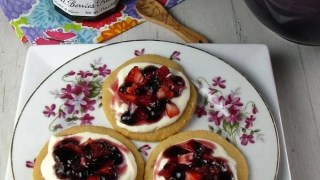 Easy Fruit Tarts for Mother's Day