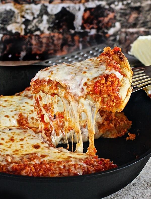 Turkey-Sloppy-Joe-Skillet-Pizza-2-The-Hopeless-Housewife®