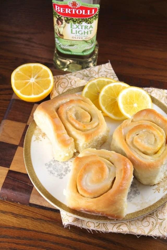 bertolli lemon sweet rolls