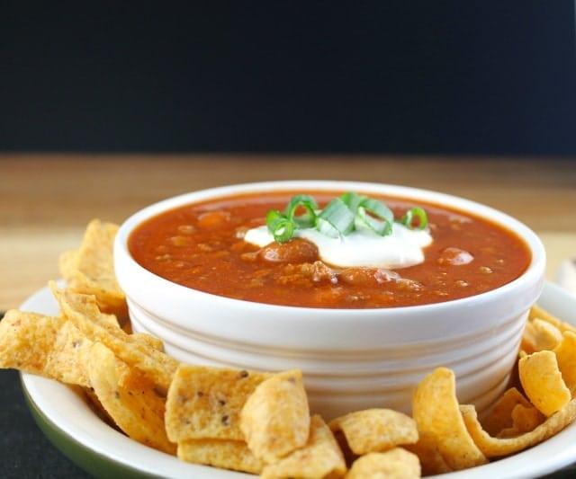 Quick and Easy Crock Pot Chili - MissintheKitchen.com