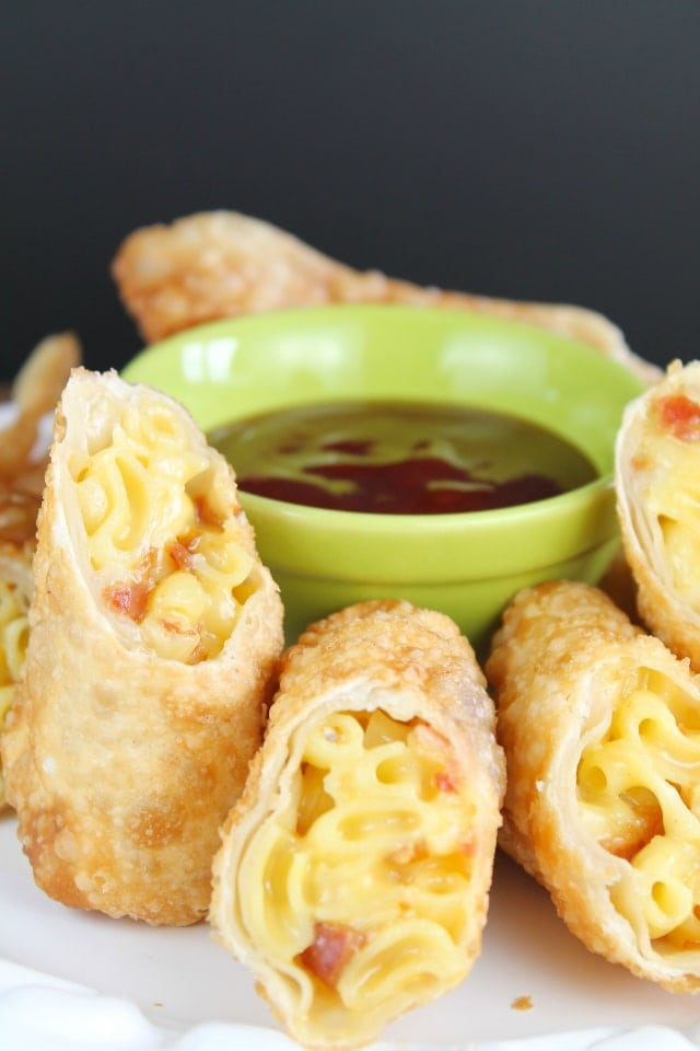 Bacon Mac & Cheese Egg Rolls