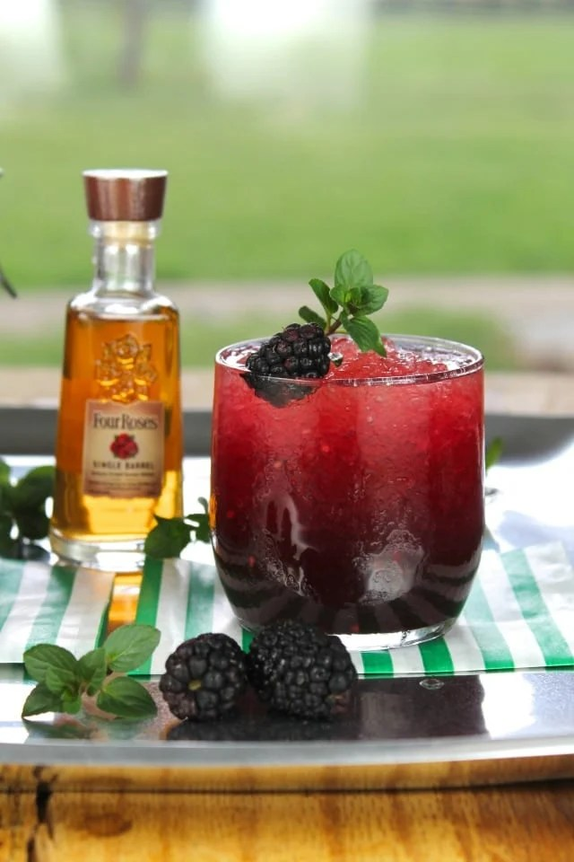 Blackberry Mint Julep Cocktail #FourRoses