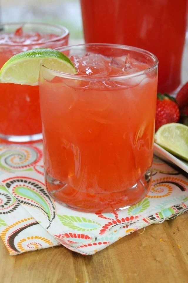 Easy Strawberry Limeade Punch from missinthekitchen