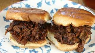 JayD's Louisiana Barbecue Beef Sliders