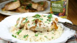 Slow Cooker Smothered Pork Chops with Sour Cream Gravy