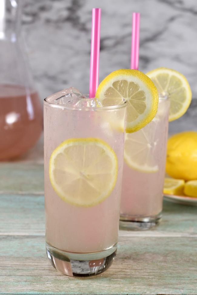 Sarasota Lemonade Cocktail with just 3 ingredients
