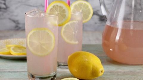 How to make Sarasota Lemonade with moscato wine